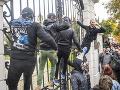 K extrémistom sa pridajú aj SNS a SMER: Na výročie novembra budú opäť protesty proti Matovičovi