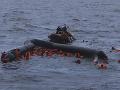 FOTO V Stredozemnom mori sa rozpadol čln so 116 migrantmi: Šesť ľudí zahynulo