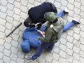 EÚ odsúdila násilnú smrť aktivistu v Bielorusku, pohrozila ďalšími sankciami