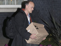 Hlavný poradca Johnsona odstúpil! FOTO Na nič nečakal, zbalil si veci a odchádza