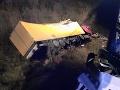 Tragická nehoda vo Svidníku: FOTO Kamión spadol z mosta! Vodič neprežil