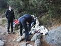 Pod vodopádom Skok vo Vysokých Tatrách našli turistu v bezvedomí: Pomáhali horskí záchranári