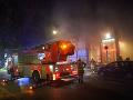 Nehoda súpravy metra: Asi sto cestujúcich bolo evakuovaných, desať je zranených