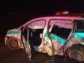 FOTO Hrozivá dopravná nehoda pri Nitre: Zranili sa traja policajti