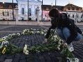 FOTO Za Slušné Slovensko umiestnilo na námestia miest tisícky kvetov: Majú jasný odkaz