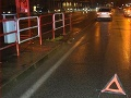 FOTO Chodkyňa si chcela skrátiť cestu: Vrazila do auta a skončila v nemocnici
