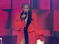 Speváčka Ciara maskovala popôrodné kilogramy v šatách voľného strihu.