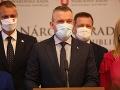 KORONAVÍRUS Pellegrini vyzval členov