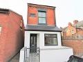 Atypický dom sa predáva za mastnú sumu: FOTO Takto to vyzerá vo vnútri