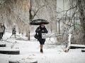 Tisíce ľudí bez elektriny a vykurovania: Mrznúci dážď skomplikoval život na východe Ruska