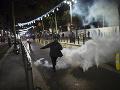Protesty proti policajnému násiliu vyústili v Paríži do výtržností