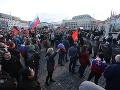 Polícia žiada verejnosť o videozáznamy z protestu pred Úradom vlády