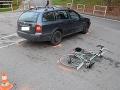 FOTO Zrážka cyklistu a auta v Bánovciach nad Bebravou: Okolnosti vyšetruje polícia