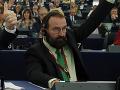 Szájer vystúpil z Fideszu: Orbán to označil za správny krok