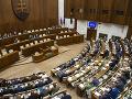 Poslanci opäť zasadli do lavíc: Čaká ich reforma justície i voľba šéfa generálnej prokuratúry