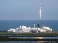FOTO SpaceX hlási ďalší úspech: Kozmická loď Dragon so zásobami odštartovala k ISS