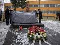 FOTO Streľba v nemocnici si pred rokom vyžiadala sedem životov: V Ostrave odhalili pamätník obetiam