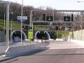 Pred bratislavským tunelom Sitina sa stala nehoda: Zjazd na Patrónku je blokovaný