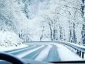 Dávajte si pozor na sneh na cestách: V týchto lokalitách Slovenska už potrápi vodičov