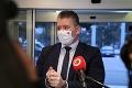 Osemnásť koaličných poslancov žiada Mikulca o preverenie situácie v Nemocnici sv. Michala
