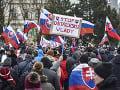 V Bratislave sa protestovalo proti vláde i opatreniam! Objavil sa na nich bývalý poslanec