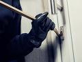 Klobásy a slanina mu nestačili: Nenásytný zlodej vykradol z domu aj elektroniku