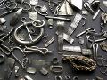 Francúzske colné úrady skonfiškovali vyše 27-tisíc vzácnych historických predmetov