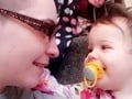 Boj so smrťou trval hodinu: Nadrogovaná matka obliala bábätko vriacou vodou a nechala ho v mukách zomierať