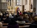KORONAVÍRUS V kostoloch môžu ľudia sedieť v každom druhom rade s rozostupom medzi sebou