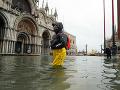 Mesto lásky opäť pod vodou: Hladina mora stúpa, Benátky aktivovali protipovodňový systém