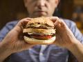 Rázny krok Británie: Od apríla 2022 obmedzí reklamy na nezdravé potraviny