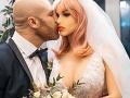 FOTO Kulturista sa oženil so sex bábikou: Teraz je zdrvený, nečakaná rana počas Vianoc