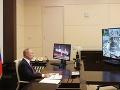 Rusi sa bavia na kanceláriách Vladimira Putina: Pozriete na FOTO a... vidíte to tiež?