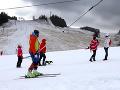 KORONAVÍRUS Švajčiarska polícia vyšetruje 12 britských lyžiarov, ktorí opustili karanténu