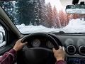 Pri jazde autom v zime dodržiavajte tieto ZÁSADY: Môžu vám zachrániť život!