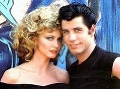 Olivia Newton John a herecký kolega John Travola v kultovej Pomáde.