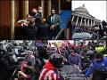 ONLINE Desivý útok na Kapitol: Po besnení zomreli štyria ľudia! Biden sa stal oficiálnym víťazom volieb