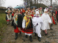 KORONAVÍRUS FOTO Slávenie Vianoc bolo na Ukrajine takmer bez rúšok: Pandémia preťažuje nemocnice