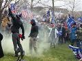 Europoslanci: Nepokoje vo Washingtone ukázali, že treba brániť šíreniu konšpirácií