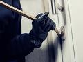 Bratislavskí policajti mali plné ruky práce: Obvinili trojicu zlodejov pre vlámanie a krádež