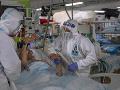 Ďalšia komplikácia: Vyčerpaní zdravotníci majú problém dostať plnú PN