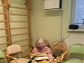 Prvou očkovanou bola pani Helenka. Ide o vôbec prvú zaočkovanú klientku domovov dôchodcov na Slovensku.