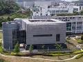 Kontroverzné laboratórium v čínskom
