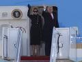 Donald Trump s manželkou odleteli na Floridu