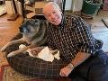 Joe Biden s psíkom Champom.