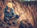 Vedci skúmali prehistorickú horninu na pobreží a náhodou objavili totálnu bombu