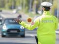 Policajti sa neuspokojili len s predložením dokladov: Odhalili viacerých šoférov s neplatným vodičákom