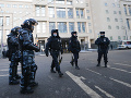 Zatýkanie pred súdom s Navaľným: Ruská polícia obkolesila celú budovu, platia prísne opatrenia