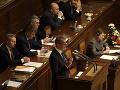 Potýčka v českej snemovni má dohru: Poslanec Volný dostal mastnú pokutu