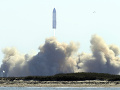 VIDEO Nevyšlo to ani tentokrát: Prototyp vesmírnej lode Starship explodoval pri pristátí